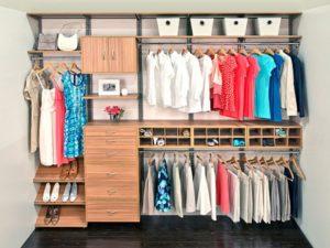 организовать вещи в гардероба
